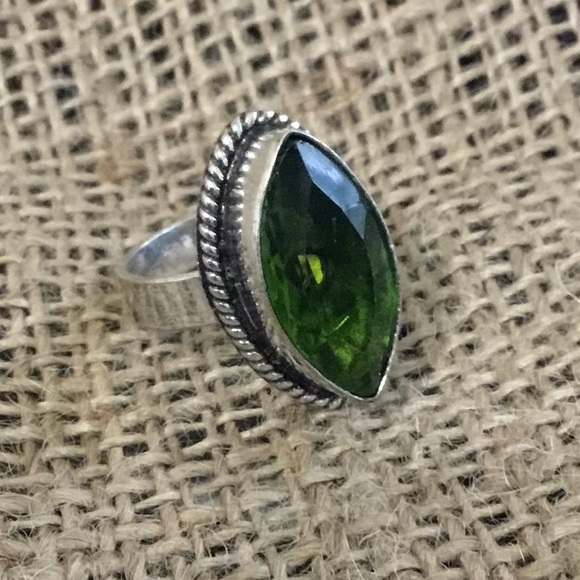 none Jewelry - Green gemstone silver colored ring